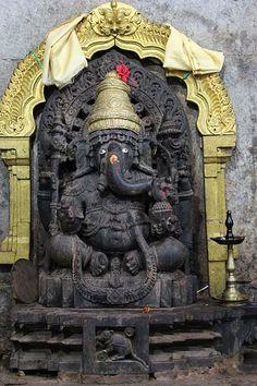 Ganesha sculpture, Sadashiva temple, Nuggehalli; Karnataka