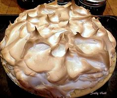 Chocolate Meringue Pie. Easy to make and looks fabulous!  #chocolate #meringue #pie #dessert