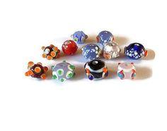 Perle en verre multicolores à picots mélange x 11 perles : Perles en Verre par mamiechantal-screations