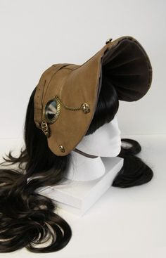 `.Steampunk Bonnet? Oh dear. I'm afraid I won't be able to Rock one of these without unwillingly linking myself to the whole Afrikaner Voortrekker thing. Ha.