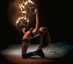 #homeofpoi #fire #fans #firefans #firedance #bellydancefans #firedancefans #photocompetitions #elderflame