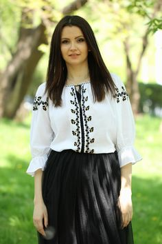 Ie Romaneasca Delia - Chic Roumaine Ethnic Fashion, Bell Sleeve Top, Ruffle Blouse, Traditional, Costumes, How To Wear, Shirts, Outfits, Beautiful