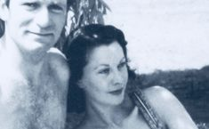 Vivien Leigh & husband Laurence Olivier relaxing in Australia. Late 1940's.  I love how she is leaning on him.