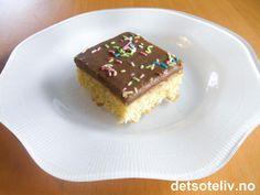 Lys sjokoladekake i langpanne   Det søte liv