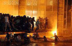 Protesto em Brasília fica tenso, e polícia evita invasão do Itamaraty; ACOMPANHE (André Dusek/Estadão Conteúdo)