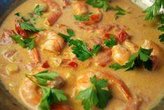 Krewetki w pikantnym sosie z mleczkiem kokosowym - Scampi, Seafood Dishes, Thai Red Curry, Sushi, Food And Drink, Cooking, Ethnic Recipes, Gastronomia, Cuisine