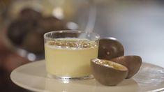 Γρήγορη κρέμα με passion fruit - Στέλιος Παρλιάρος Custard, Mousse, Panna Cotta, Cream, Fruit, Ethnic Recipes, Food, Creme Caramel, Dulce De Leche