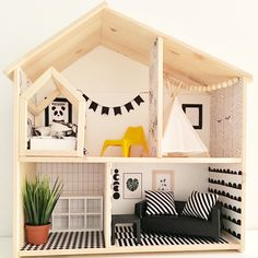 What a super cute dolls house! DIY dollhouse Ikea hack Upgrade the IKEA FLISAT Upcycling painting Ikea Dollhouse, Wooden Dollhouse, Dollhouse Furniture, Dollhouse Dolls, Doll House Plans, Mini Doll House, Big Girl Rooms, Kids Furniture, Furniture Plans