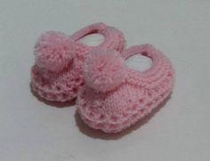 Sapatinho para bebê em tricô feito a mão