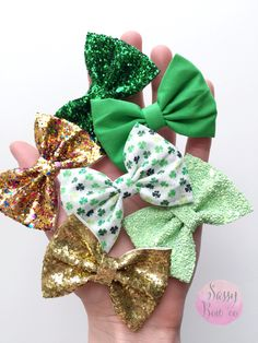 Adorable bows and headbands for little girls, babies, and toddlers.  Gold, sparkles, and clovers! Perfect to match with your festive St.. Patrick's Day outfits.