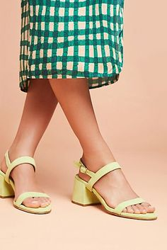 75b0369b900c2 73 Best Shoes images in 2019 | Classic style, Clog sandals, Leather ...