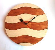 Hey, j'ai trouvé ce super article sur Etsy, chez https://www.etsy.com/fr/listing/208560878/cercle-horloge-murale-vague-horloge