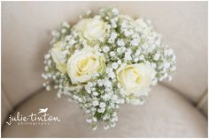 Bridal Bouquet, cream roses, baby's breath. Edinburgh Wedding Photographer Julie Tinton - Edinburgh Wedding Photographer Julie Tinton Photography