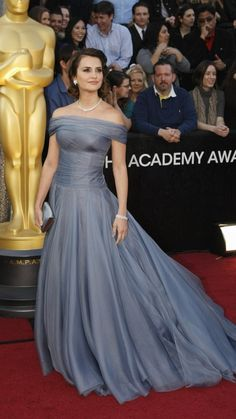 My favorite dress this year...so pretty...from the 2012 Oscars