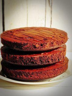 Tort cu crema mascarpone si caramel - Dulciuri fel de fel Caramel, Desserts, Food, Sweets, Mascarpone, Sticky Toffee, Tailgate Desserts, Candy, Deserts