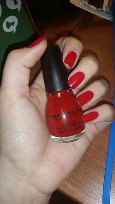 Got a free bottle of the lovely No Text Red nail polish from Sinful Colors in my Dean's List Vox Box from Influensfer!