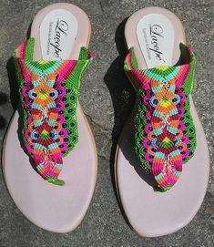 Macrame Colar, Macrame Dress, Macrame Bag, Macrame Jewelry, Macrame Bracelets, Sombrero A Crochet, Crochet Flip Flops, Decorating Flip Flops, Bags