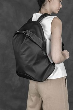 Backpack Bags, Leather Backpack, Leather Bag, Clothes Words, Lightweight Backpack, Macbook Air Pro, Designer Backpacks, Branded Bags, Sport Casual