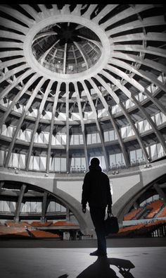 Omicron, Joanie Le Mercier... Another surreal moment, mapping a concrete Dome over 2 days and nights.    Centennial Hall (Unesco site, built in 1913 - Max Berg)