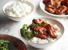 Vietnamská kuchyně zažívá v Čechách obrovský boom a v různých bistrech a restauracích lze narazit už na poměrně autentické pokrmy. Food And Drink, Beef, Chicken, Recipes, Asia, Meat, Rezepte, Ox, Ground Beef