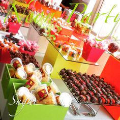 SUGAR Brunch, Dessert, Candy and Cheese Tables. +521 722 6285892. MÉXICO.  #sweet #weddingideas #weddingfavors #chocolate #chocolatefan #chocolateaddict #candybuffett #delicious #dessertbuffet #partydecor #favorbags #mesasdepostres #mesasdedulces #quesos #ideasparabodas #buffetfrío #food #yum #yummy #neonparty #neon