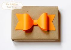 Unidentified Lifestyle by Maria Matiopoulou: DIY Monday // Make your own Paper bows