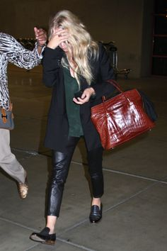 Mary-Kate and Ashley Olsen (April 2013 - July - Page 20 - the Fashion Spot Ashley Olsen Style, Olsen Twins Style, Mary Kate Ashley, Mary Kate Olsen, Olsen Sister, Boho Look, Ballet, Business Women, Business Casual