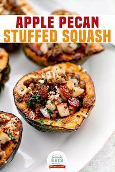 Acorn Squash Recipes Healthy, Healthy Thanksgiving Recipes, Vegetarian Thanksgiving, Thanksgiving Side Dishes, Vegetable Recipes, Vegetarian Recipes, Healthy Recipes, Acorn Squash Recipe With Apples, Vegetarian Stuffed Acorn Squash