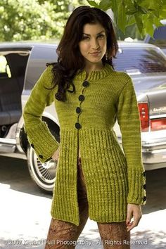 Top-down set-in sleeve construction, sleeves worked in the round, provisional cast-on, brioche stitch pattern, applied I-Cord edging.Ravelry: Lettuce Coat pattern by Wendy Bernard - this can only be bought from an old magazine or the book Custom Knit Cardigan Pattern, Knit Cardigan, Knitted Coat Pattern, Crochet Woman, Knit Crochet, Cardigans For Women, Women's Cardigans, Coat Patterns, Double Knitting