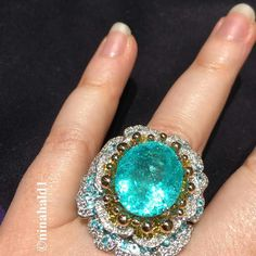 @ninahald1.Yet another fantastic Paraiba tourmaline, this time from Alessio Boschi.