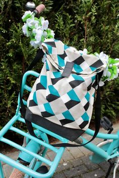 Herzenssachen: Make a cool bike even cooler? Baby Bike, Diy Backpack, Cool Baby Stuff, Sewing Techniques, Cool Bikes, Baby Strollers, Diy And Crafts, Sewing Projects, Sewing Patterns