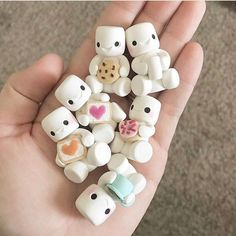 Likes, 66 Comments – LadyBerryCupcakeSchool ( on Instag… – 2019 - Clay ideas Fimo Kawaii, Polymer Clay Kawaii, Fimo Clay, Polymer Clay Charms, Polymer Clay Projects, Polymer Clay Creations, Polymer Clay Art, Clay Crafts, Polymer Clay Jewelry