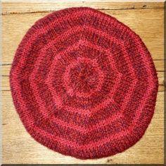 Tuto béret tricot. Bonnet Crochet, Crochet Beret, Knitted Hats, Tutu, Vader Star Wars, Knitting Socks, Headbands, Knitting Patterns, Diy And Crafts