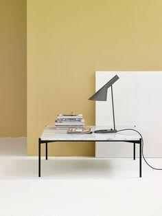 Plateau Table är ett soffbord formgivet av Mats Broberg och Johan Ridderstråle för Adea. Bordsskivan är tillverkad i marmor och stativet i lackad metall. Välj bland fyra olika utföranden; White Carrara, Green Guatemala, Black Marquinia och Emperador Dark. Plateau Table finns även i andra storlekar.