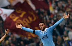 Roma-Lazio 2-2, cronaca, pagelle e video dei gol: Totti riacciuffa i biancocelesti - http://www.maidirecalcio.com/2015/01/11/roma-lazio-2-2-cronaca-pagelle-e-video-dei-gol-totti-riacciuffa-biancocelesti.html