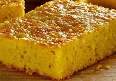 Easy Corn Bread without Flour- Pan de Elote Fácil sin Harina Delicious and fluffy homemade corn bread with the touch of grannies. Very easy to prepare since everything is done in the blender. Bread Recipes, Cake Recipes, Dessert Recipes, Cooking Recipes, Desserts, Homemade Cornbread, Sweet Cornbread, Food Cakes, Cupcake Cakes