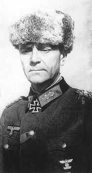 ✠ Friedrich Paulus (23 September 1890 – 1 February 1957) RK 26.08.1942 General der Panzertruppe OB 6. Armee 15.01.1943 [178. EL] Generaloberst OB 6. Armee