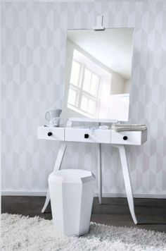 WANT IT ... perfect make up station :)