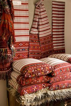 Romania Travel Inspiration - Transsilvanian Patterns - Romania - every peasants home is softened with textiles Romania Travel, Textiles, Bucharest, Traditional Art, Fiber Art, Decoration, Folk Art, Weaving, Beautiful