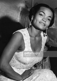 Photo d'actualité : American cabaret singer Eartha Kitt in London....