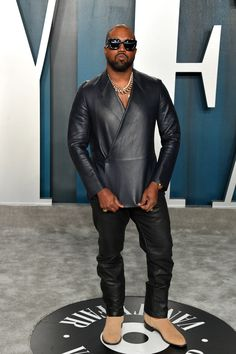 The Kanye West Look Book | GQ Kanye West Outfits, Kanye West Style, Grunge Shoes, Yeezy Fashion, Yeezy Outfit, Versace Men, Mens Clothing Styles, Men Casual, Casual Outfits