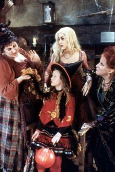 'Hocus Pocus' Stage Show Is Going To Put A Spell On You At Disney World. This is going to be So Awesome!