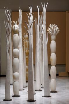 'Bosques de ilusiones' Totemic sculptures by ceramic artist Maria… – Ceramic Art, Ceramic Pottery