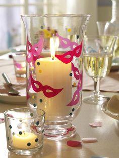 Dekoration Kerzenglas im Karnevals-Stil. Perfekt für die Karnevals-Party zu Hause >> Karneval: Jecke Deko zum Selbermachen