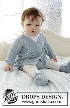 Odeta / DROPS Baby - Free knitting patterns by DROPS Design, The set includes: knitted jacket with knitted sleeves and lace-up shoes and curled ribs for babies. The set is knitted. Baby Cardigan Knitting Pattern Free, Crochet Baby Jacket, Baby Sweater Patterns, Knitted Baby Cardigan, Knit Baby Sweaters, Knitted Baby Clothes, Baby Clothes Patterns, Baby Hats Knitting, Knitting For Kids