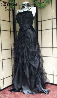 Victorian Gothic FAE/Sidhe 14/16 Themed Wedding/PROM Dress/Costume/LARP/MEDIEVAL