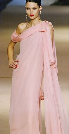 Yves Saint Laurent at Couture Spring 2002 Pink Fashion, Women's Fashion Dresses, Runway Fashion, Womens Fashion, Yves Saint Laurent, Beautiful Gowns, Beautiful Outfits, Pink Dress, Dress Up