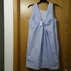 GAP Dress Adorable blue & white dress with fun design, side pockets, cute but also very comfortable. 100% cotton GAP Dresses Midi