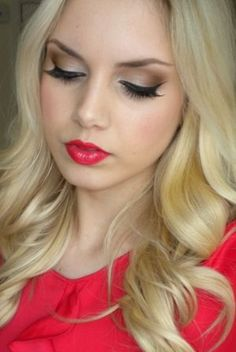 Pretty eye make up for red lips!