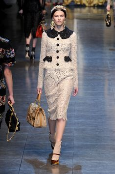 Dolce & Gabbana Fall 2012 Runway Pictures - StyleBistro